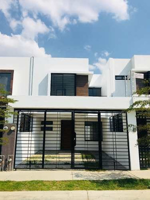 Casa En Renta En Villas Del Nilo En Guadalajara