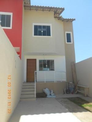Casa Para Venda Em Macaé, Imboassica, 2 Dormitórios, 2 Banheiros, 2 Vagas - Amc - 317