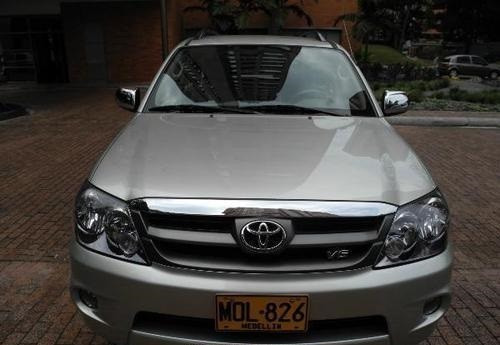 Toyota Fortuner Std 2008 Aut. 46000kms