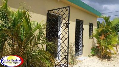 Casa Económica De Venta En Higuey, República Dominicana