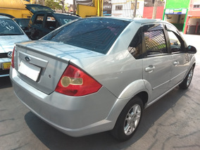 Ford Fiesta Sedan 1.6 Flex 4p2010