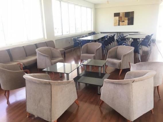 Bello Apartamento En La Zona De Evaristo Morales Se Vende