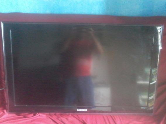 Tv Lcd 40 Pol. Com A Tela Branca