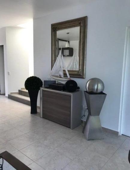 Zv1302.19-fina Residencia En Enclave Condominal, Club De Golf Vista Santa Fe.