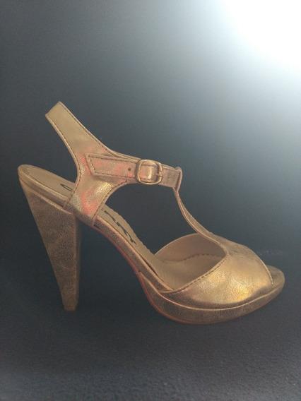 Sandalias N°39 Doradas