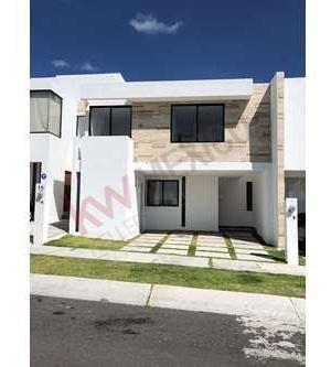 Casa En Renta/fracc. Zibata/excelente Ubicación/4 Rec (1 Rec En Pb)