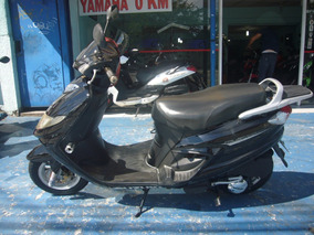 Suzuki An 125 Burgman 2009 Preta R$ 4.500 (11) 2221.7700