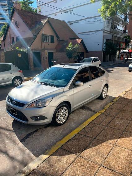 Ford Foucs Ghia 2.0 Mt
