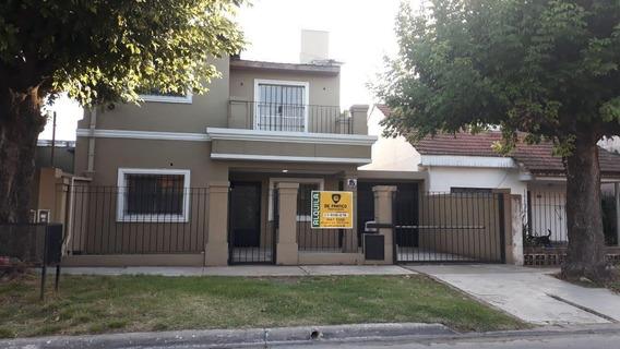 Casa 4 Ambientes En Alquiler - Bella Vista