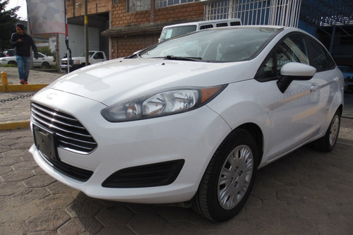 Imagen 1 de 12 de Ford Fiesta 2016