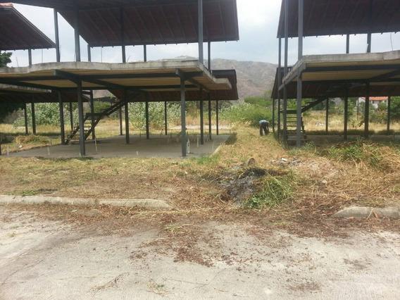 Terreno Con Estructura Y Techo De Machiembrado 4 Hab 4 Baños
