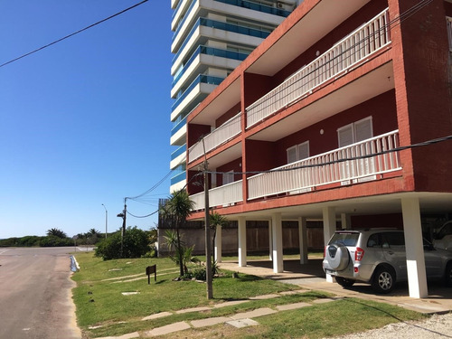 Apartamento De 2 Dormitorios Y 2 Baños Con Vista A La Brava