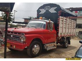 Ford 3500 Camión Estacas