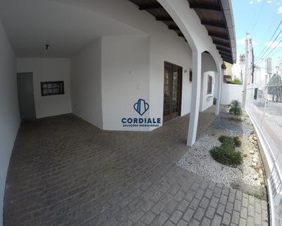 Casa Bem Localizada No Centro De Balneário Camboriú/sc - Ca00083 - 33513058