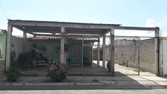 Casa En Tacarigua Paraparal