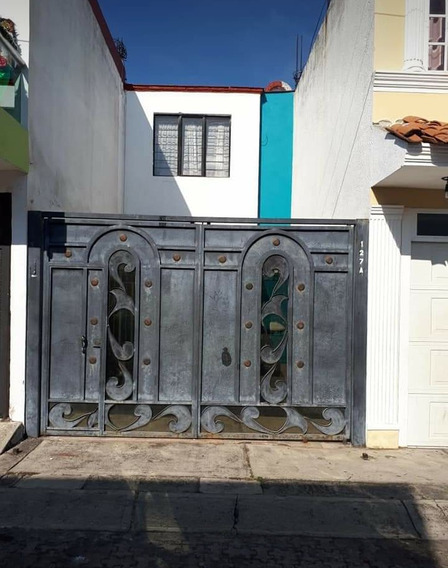 Casa En Venta, Col. Villas De La Magdalena