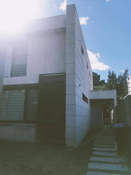 Moderna Casa A Metros De Lagos Oeste