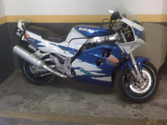 Suzuki Gsxr 1100 W Ano 1995 Para Retirada De Todas Peças