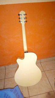 Guitarra Electro-acústica Excelente Diseño Mas Estuche