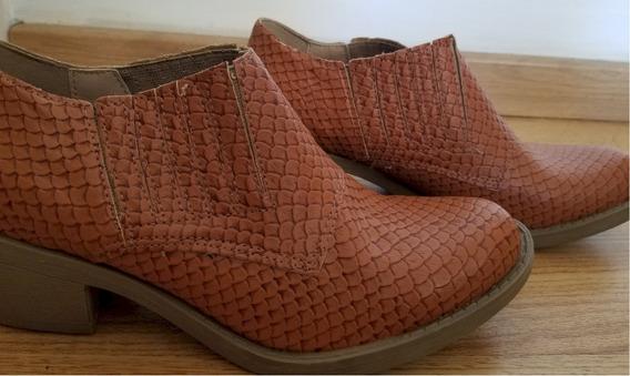 Zapato - Bota Texana Color Suela Tramada T 38 De La Cruz