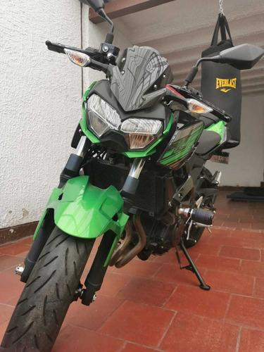 Kawasaki Z400 Negra