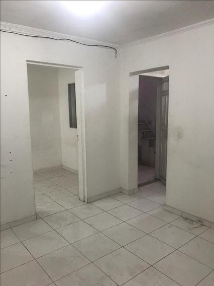 Casa Em Km 18, Osasco/sp De 30m² 1 Quartos Para Locação R$ 750,00/mes - Ca399595