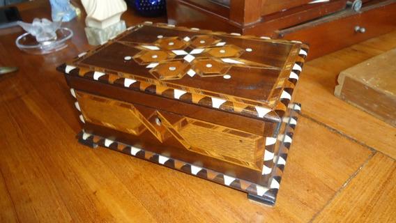 Porta Jóias Em Madeira Com Marqueterrie