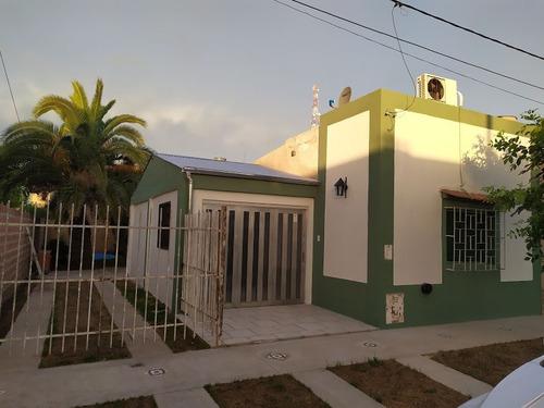 Imagen 1 de 14 de Casa Con Piscina Los Aromos