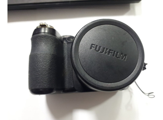 Camera Fujifilm Finepix S1800 Com Defeito Retirada De Pecas