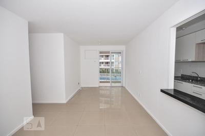 Apartamento No 2º Andar Com 3 Dormitórios E 1 Garagem - Id: 892933070 - 233070