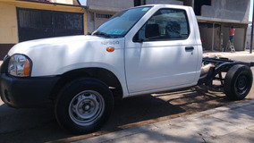 Nissan Np300 Nissan Np300 Chasis Cabina A/c 2014