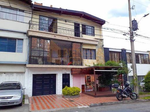 Casas En Venta Laureles 643-3910