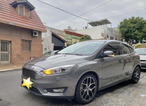 Ford Focus Titanium At 5p 2016 Gris Oscuro, Excelente Estado