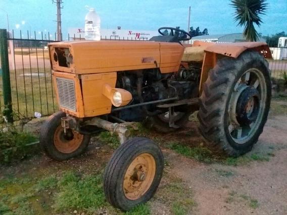 Vendo O Permuto Tractor Universal
