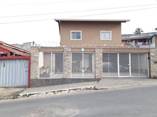 Casa Com 3 Quartos, 3 Vagas E Excelente Acabamento - Tw283