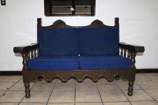 Sillón De Madera Colonial Con Tapicería Azul