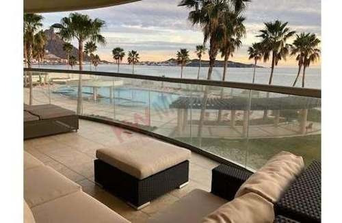 Se Vende Condominio En Playa Blanca