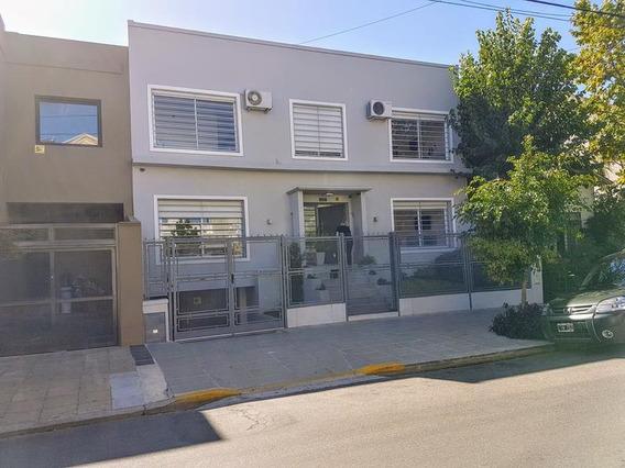 Venta Casa De 3 Dormitorios En Belgrano Chico, Luminosa, Refaccionado - Belgrano Chico