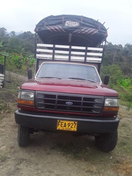 Camioneta Ford 350 Fx 4x4 Roja