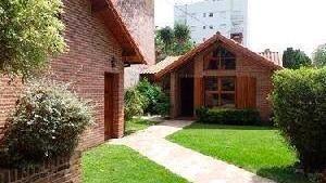 Excelente Casa En Miramar. Buena Ubicación Y Perfecto Estado.
