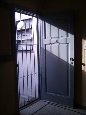 Apto. 1 Dormitorio Heredia Y Lafone A Una De Avenida