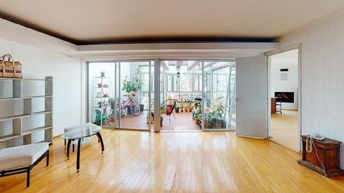 Imagen 1 de 14 de Pent House Con Bonita Vista. Edificio Enfrente Del Parque