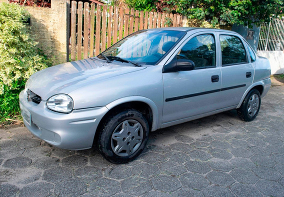 Corsa Sedan 2003 1.0 - Gasolina - Bom Estado