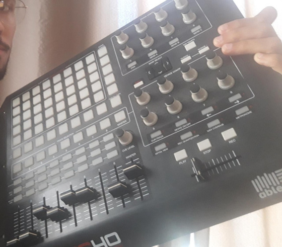 Controladora Akai Apc 40