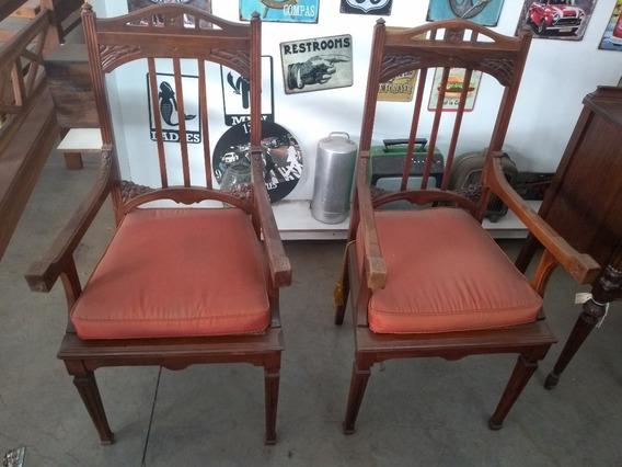 Par De Antiga Cadeiras Com Braço Em Madeira Nobre