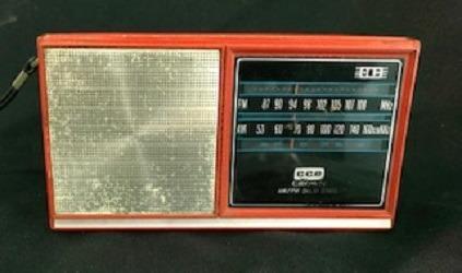 Rádio Antigo Cce Crown Tr330f Am/fm
