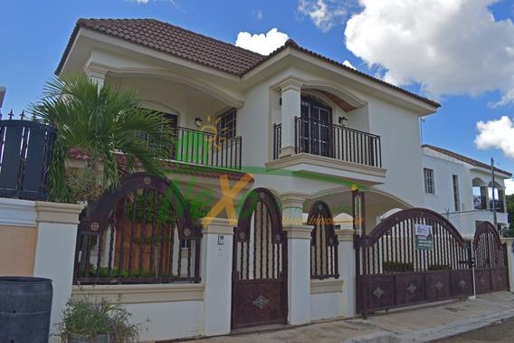Casa De Oportunidad En La Urbanización Corona Plaza Eac-235