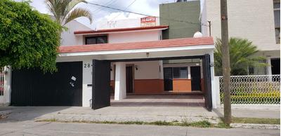 Se Renta Casa Remodelada En Residencial Victoria