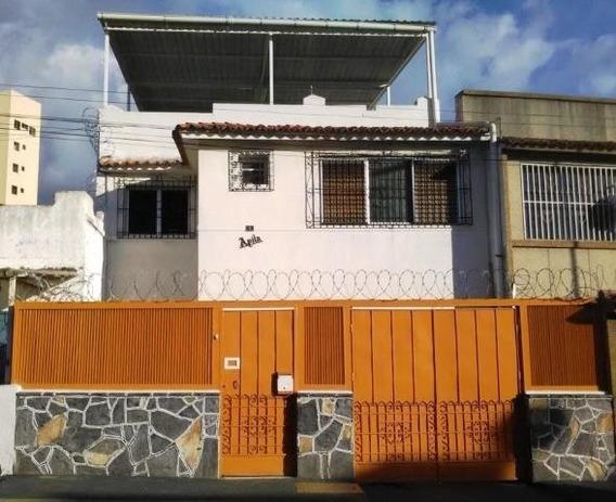 Casa En Venta Omaira Perez Mls #17-11994 La Florida