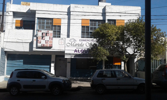 Se Alquila Local A 1 Cuadra Del Cu-cu, 3 Plantas.